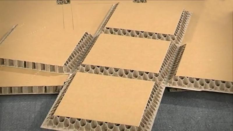 Corrugated cardboard cutter machine